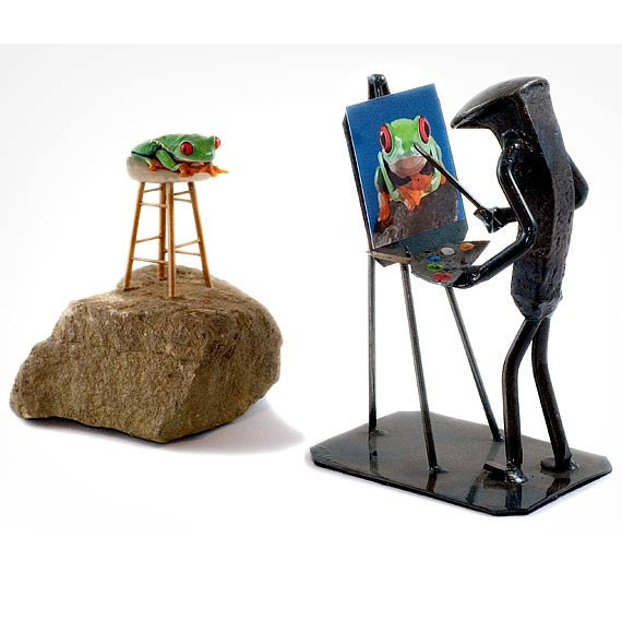 Artist Frog - Painting Frog on Stool with Easel - LIVE Frog Wall Art