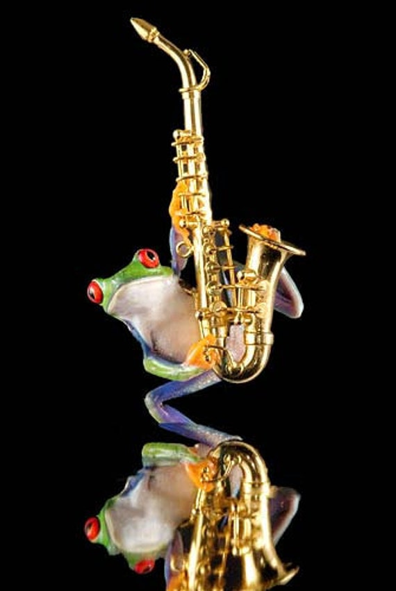 Frog and Sax Photo - Saxaphone - Music - Musical Instrument - music art print