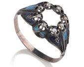 9K yellow gold antique ring from the end of the 19th century, with inlaid rose-cut diamonds, adorned with blue enamel