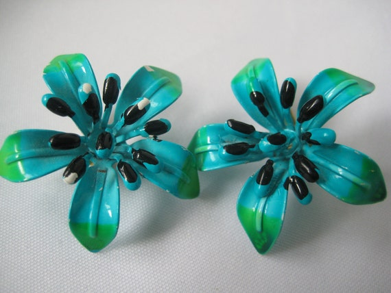 Turquoise Vintage Metal Flower Clip Earrings Retro Hawaiin Tropical