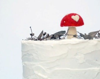 Toadstool Cake Topper for your Woodland Wedding Cake, An enchanting Decoration for your Rustic Wedding Cake, Unique Needle Felted Red Wool
