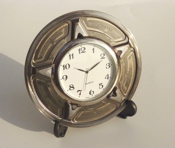 F1 desk / office / bedside table clock made from a Renault Formula 1 car part gift