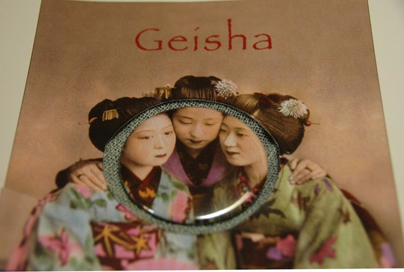 Pocket Mirror  - Vintage Geishas -Gift Bag Included - Ready To Ship