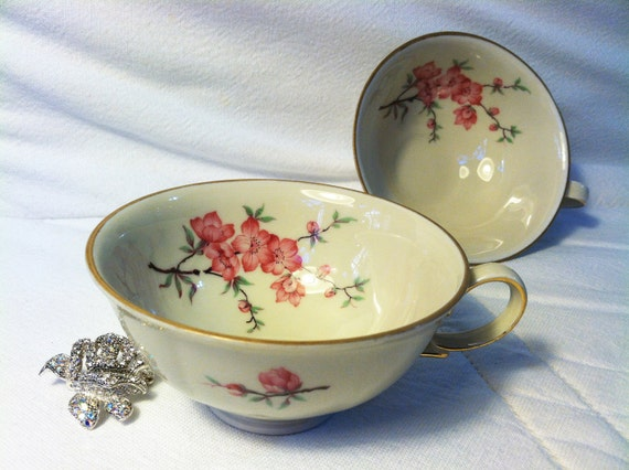 Vintage shabby chic teacups by Zeh Scherzer, Bavaria, Germany, with pink flowers