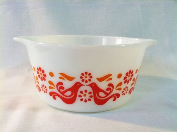 Vintage Pyrex 'Friendship' oven dish with red and orange birds and flowers