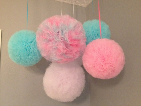 Custom listing for Justine Tulle Pom Poms for weddings, baby showers, nurseries, bedrooms, parties, holidays, or just to add a little pizazz