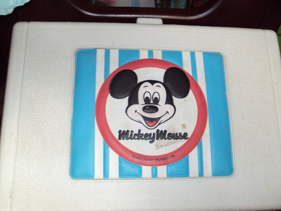 a vintage mickey mouse record player from thepresidentspalace