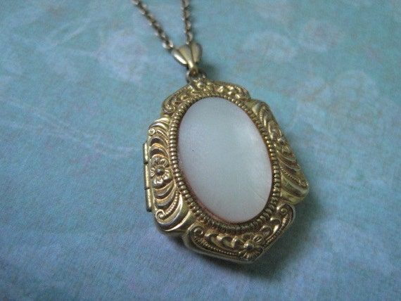 Vintage 1940's Mother of Pearl Locket, Unusual Shape with Floral Edges
