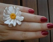 White daisy ring from polymer clay fimo