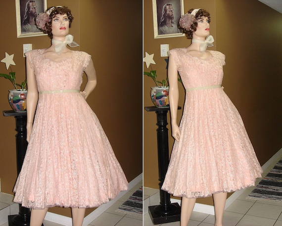 RESERVED ON LAYAWAY -Swing Low / 1940s Pink Lace Tule / Party / Swing / Wedding / Dress / 30 inch waist / Medium Large
