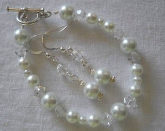 Sterling silver, Swarovski pearl and crystal bracelet and earring set... Would be perfect for Brides and bridesmaids