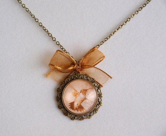 Hummingbird & Ribbon vintage necklace