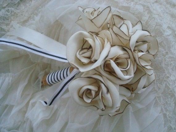 MacAskill Fabric Rose bouquet