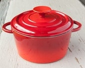 Gorgeous Red Cast Iron French Oven, MADE IN FRANCE, 1.75 quarts