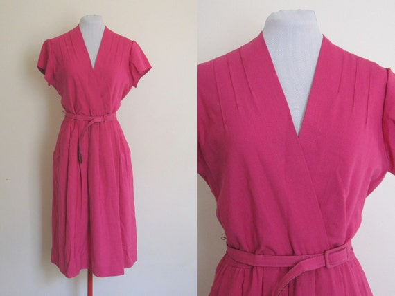 70s dress. Pink Dress. V neck dress. Pocket dress. Summer dress. size 14