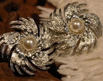 Vintage Sarah Coventry Faux Pearl Clip On Earrings with Swirl Silver Tone Backing from the Pinwheel Collection Signed SARAHCOV 1960s