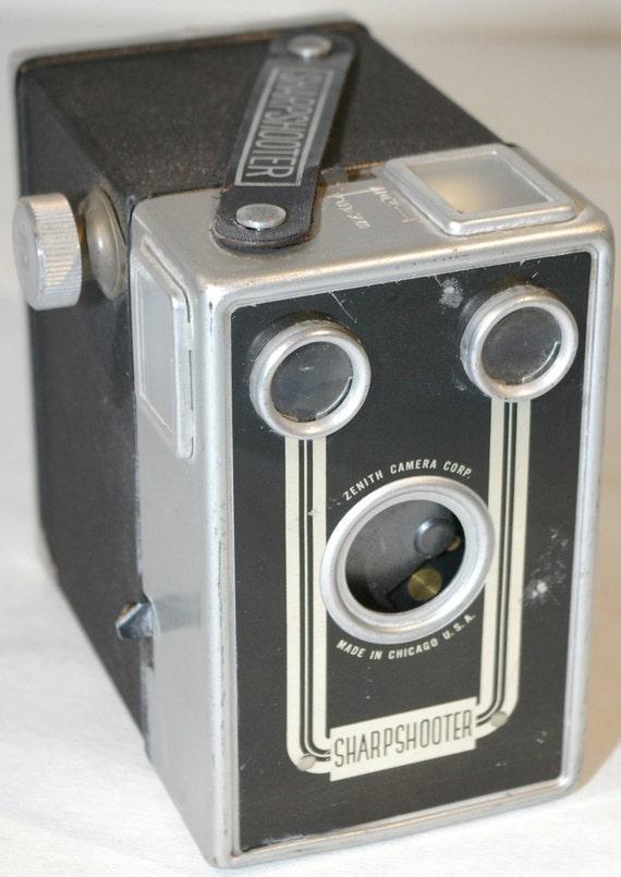 Vintage 1940s Zenith Camera Company Sharpshooter 120 Film Box Camera