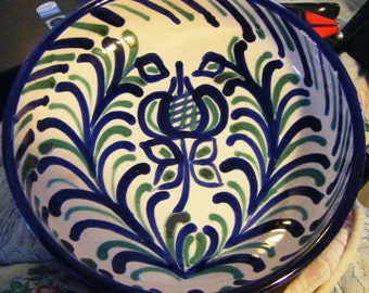 """Gorgeous Piece Pottery Hand Crafted and Painted Blue and Green Colored 7 1/4"""" Bowl"""