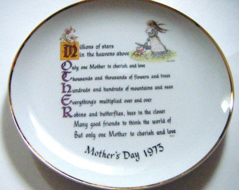 1970's Holly Hobbie Commemorative Edition Genuine Porcelain Mothers Day Plate with Beautiful Poem and Sentiment