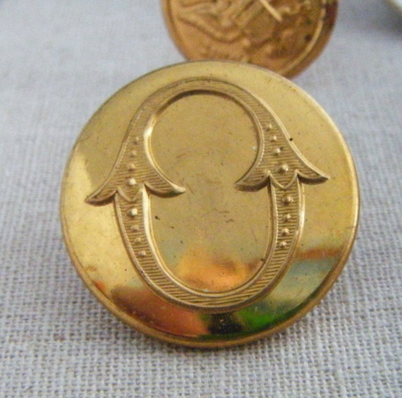 """Set of SIX (6) Antique Brass or Gold Colored Superior Quality Metal Buttons Made In England Letter """"O"""""""