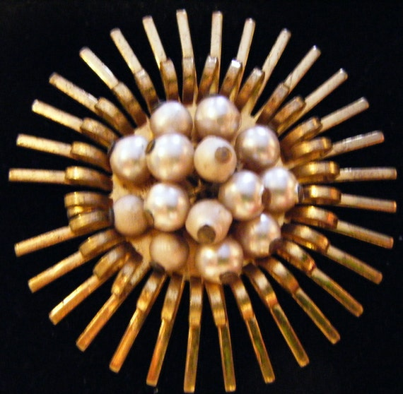 Vintage 1940's Gold and Pearls Sunburst Sun Pendant