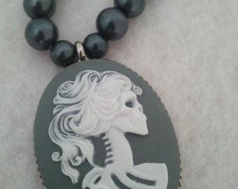 Skull Cameo Black Pearl Necklace