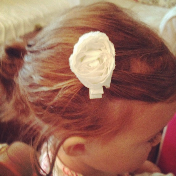 TWO Cream Off White Rolled Roses Shabby Chic Style Flower Hair Clip Clippie Bow Toddlers Girls Summer Photography Prop