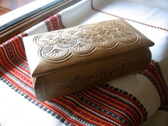 Keepsake Wooden Box, wooden jewelry box, woodland design, gift for him, Wooden Jewelry Box in Ukrainian style