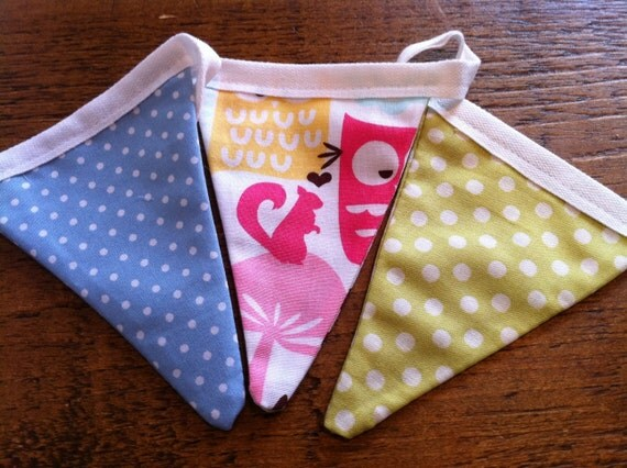 Mini bunting - Forest Life Owl (pink/green/blue)