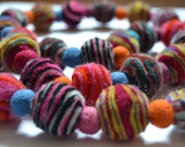 Multicolor natural felt spiral ball necklace / Collar multicolor de bolas de fieltro en espiral