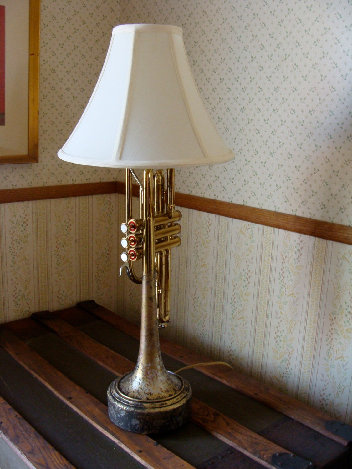 Vintage Trumpet Upcycled To A Table Lamp