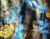 Embroidered Armyshirt / jacket w/ yellow-blue roses. Size M.