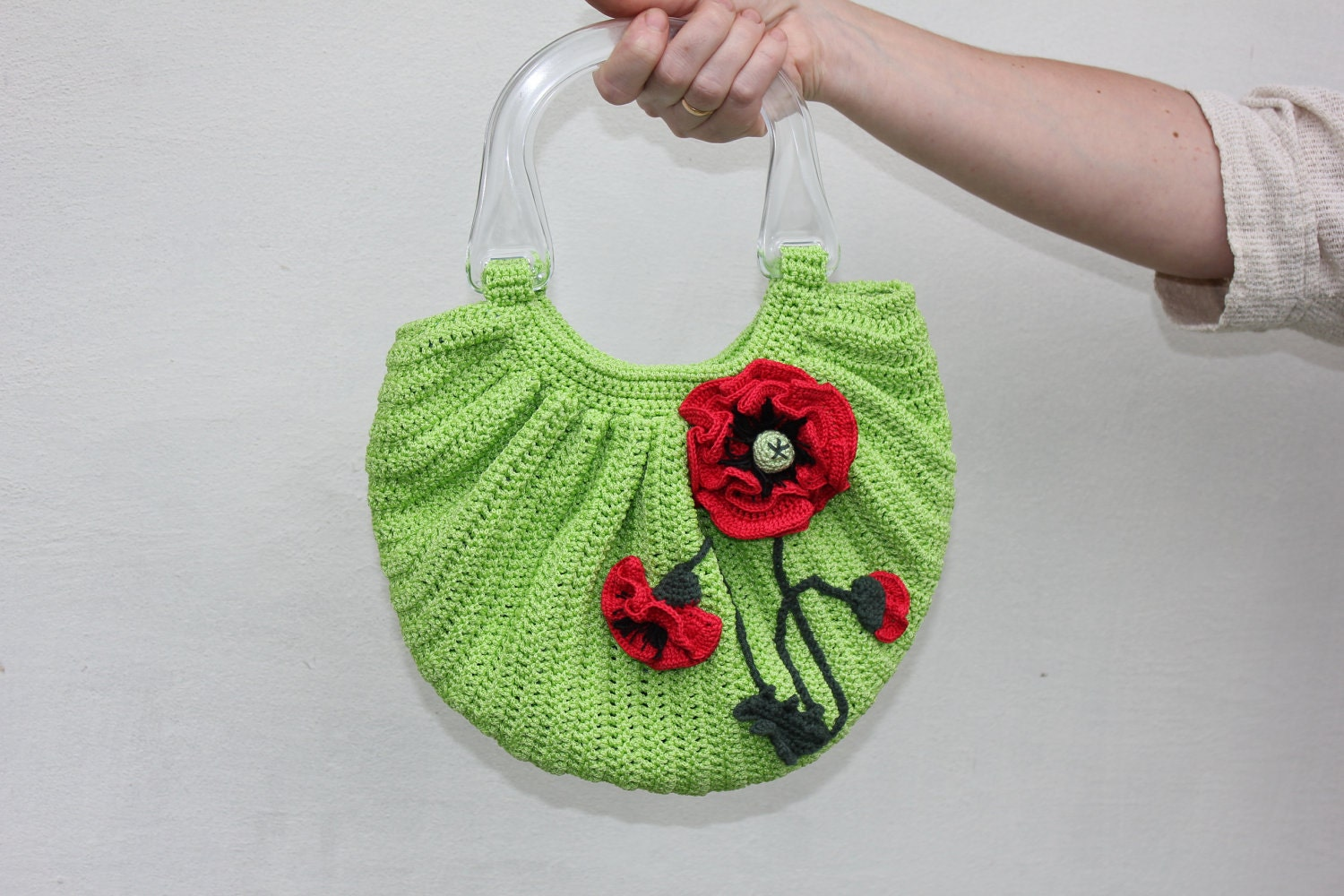 Crochet bag Poppies with two handles and decorated by TaniaSh