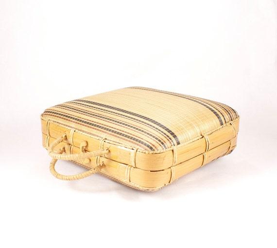 Vintage retro rigid handbag wicker