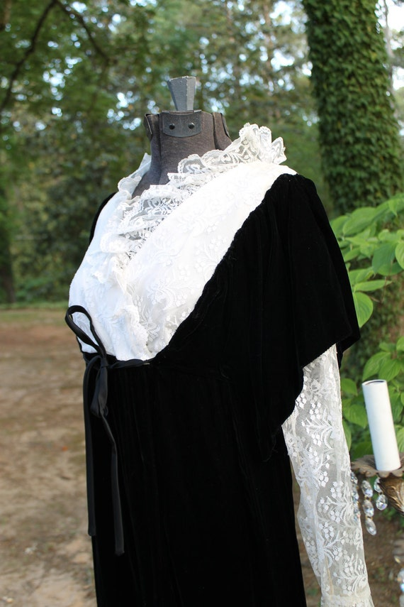 Reserved for Caroline: Vintage 1970s Black Velvet and Ivory Lace Maxi Dress Gown Bobbie Brooks- Perfect Dark Shadows/ Vampiress Costume