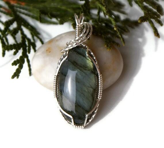 Labradorite Pendant Wire Wrapped in Argentium Silver