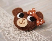 Small bear brooch Felt animal brooch Cute kids accessory Stocking stuffer Kids jewelry Brown bear brooch