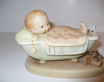 I'm As Comfy As Can Be, Memories of Yesterday Figurine (No 525480)