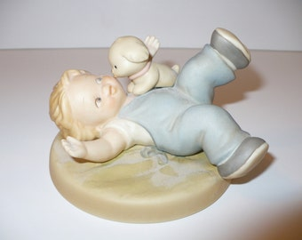 A Kiss From Fido, A Memories of Yesterday Figurine (No 523119) (Retired)