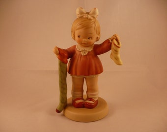 The Long and Short Of It, A Memories of Yesterday Figurine (No 522384) (Retired)