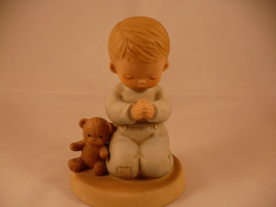 Now I Lay Me Down to Sleep, A Memories of Yesterday Figurine (No 114499) (Retired)