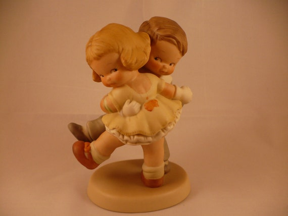 We's Happy How's Yourself, A Memories of Yesterday Figurine (No 114502) (Retired)