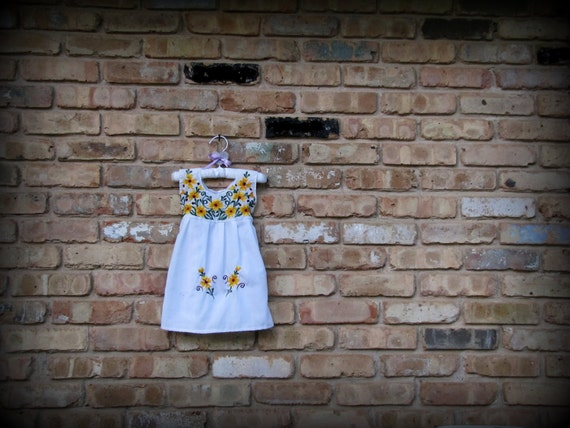Vintage Baby Clothes / White Sun Dress with Sunflowers / 6-9 months