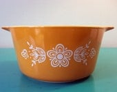Vintage Butterfly Yellow Gold Pyrex Dish (1 quart)