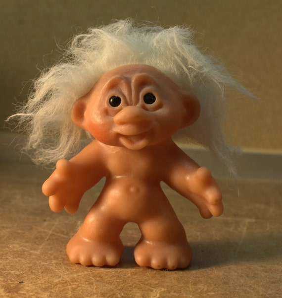 5 Inch White Haired Naked Thomas Dam Troll