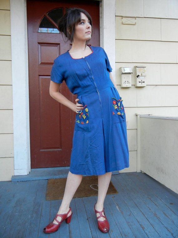1940s Blue Romper Dress With Floral Embroidered Pockets - Large