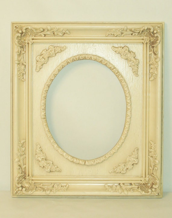 Chic 8 x 10 Frame with ornate relief design