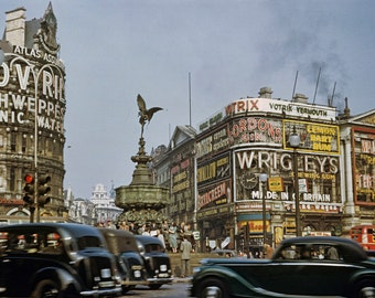 Vintage 1949 Photo of London's Piccadilly Circus Europe Travel England Vintage Advertising