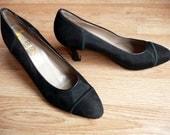 Vintage 90's SALVATORE FERRAGAMO Black Brushed Suede Ribbed Fabric CLassic Heels Pumps 8 B