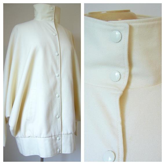 Vintage COCOON Shape Jacket in Cream Wool